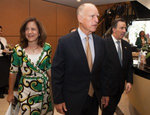 First Lady Anne Gust Brown, Governor Brown and Mexico Secretary of Foreign Affairs Meade arrive at the July 23 CalChamber-hosted international luncheon prelude to the Governor's Mexico Trade and Investment Mission. Photo by Steve Yeater.