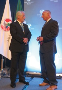 Guillermo Wolf (left), executive vice president and general director of the American Chamber of Commerce of Mexico, and CalChamber President/CEO Zaremberg chat before the AmCham lunch. Photo by Deidre Graham.